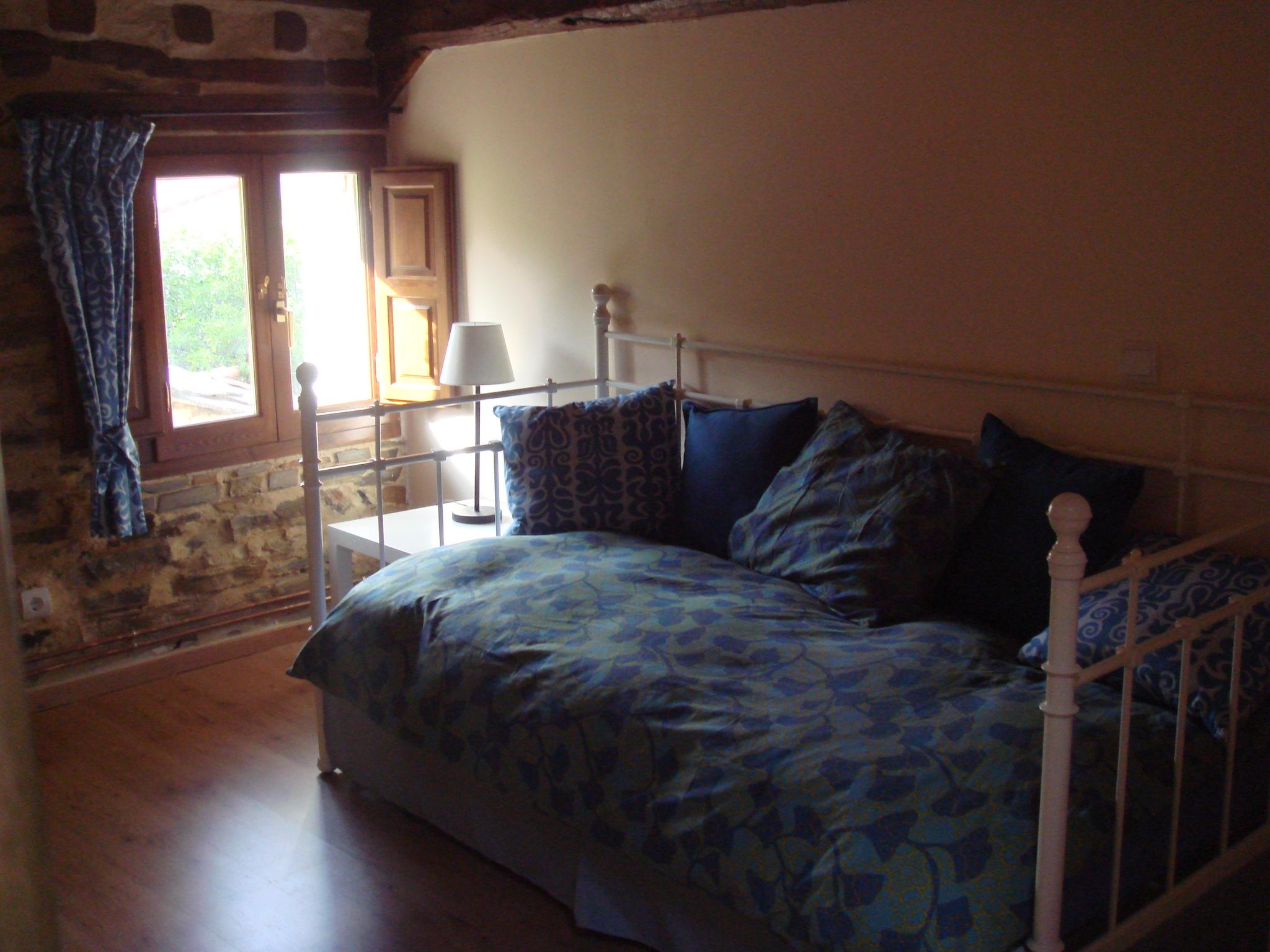 Habitación con cama nido